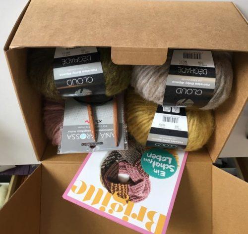 Wollpaket SAVE THE CHILDREN Schal